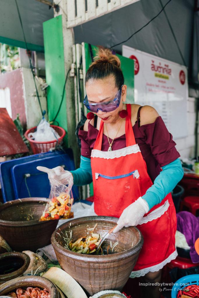 bangkok budget, bangkok cost, bangkok save, bangkok free, bangkok how much to spend, bangkok spending, bangkok travel, bangkok som tom jay so
