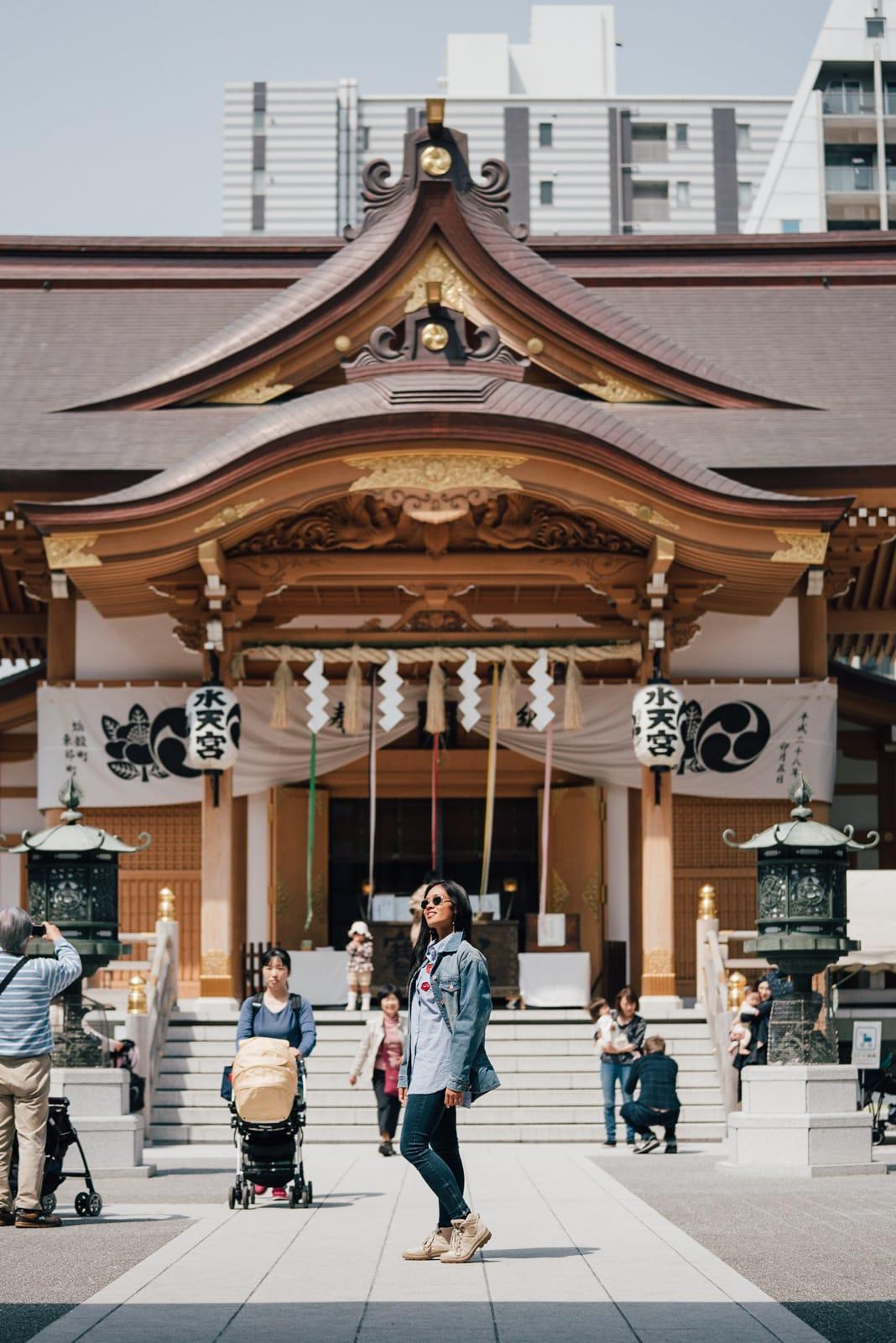 ningyocho tokyo, ningyocho, nihonbashi, ningyocho hotels, nihonbashi hotels, ningyocho things to do, Suitengu Shrine