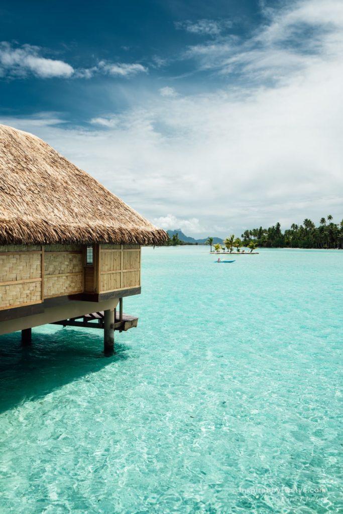 water villa Le Taha'a Island Resort & Spa